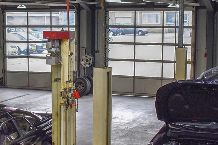 werkplaats garage Broekauto Waalwijk